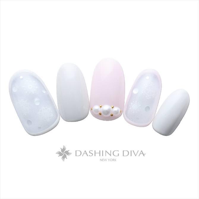 スノーアートとピンクと白のワンカラー