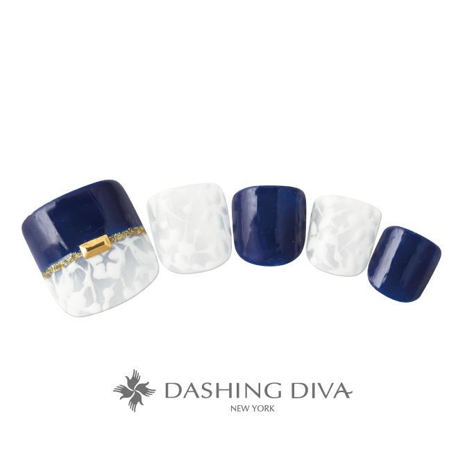 ワンカラー×ストレートフレンチ×花柄を紺と白でまとめたシックなフットネイル