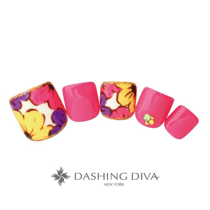 ピンクのワンカラーと花柄をトロピカルな配色でまとめたフットネイル